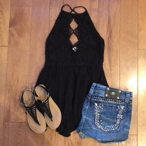 Coco + jaimeson From Buckle medium black tank